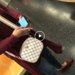 Video: Starejši moški napaden na vlaku, potem ko je to žensko prosil naj nosi masko